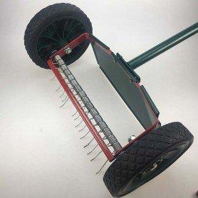 Escarificador de césped de ruedas