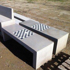 Mesa precal con tablero ajedrez